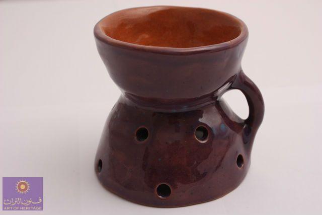 مبخره مصنوعة من الطين مصنوعة بأيدي سعودية من ذوات الإحتياجات الخاصة Incense Burner Made Of Red Clay Made In The Hand Crafted By S Tableware Glassware Mugs