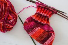 Photo of Heute möchte ich Ihnen zeigen, wie man schnell ein Paar Babyschuhe strickt …