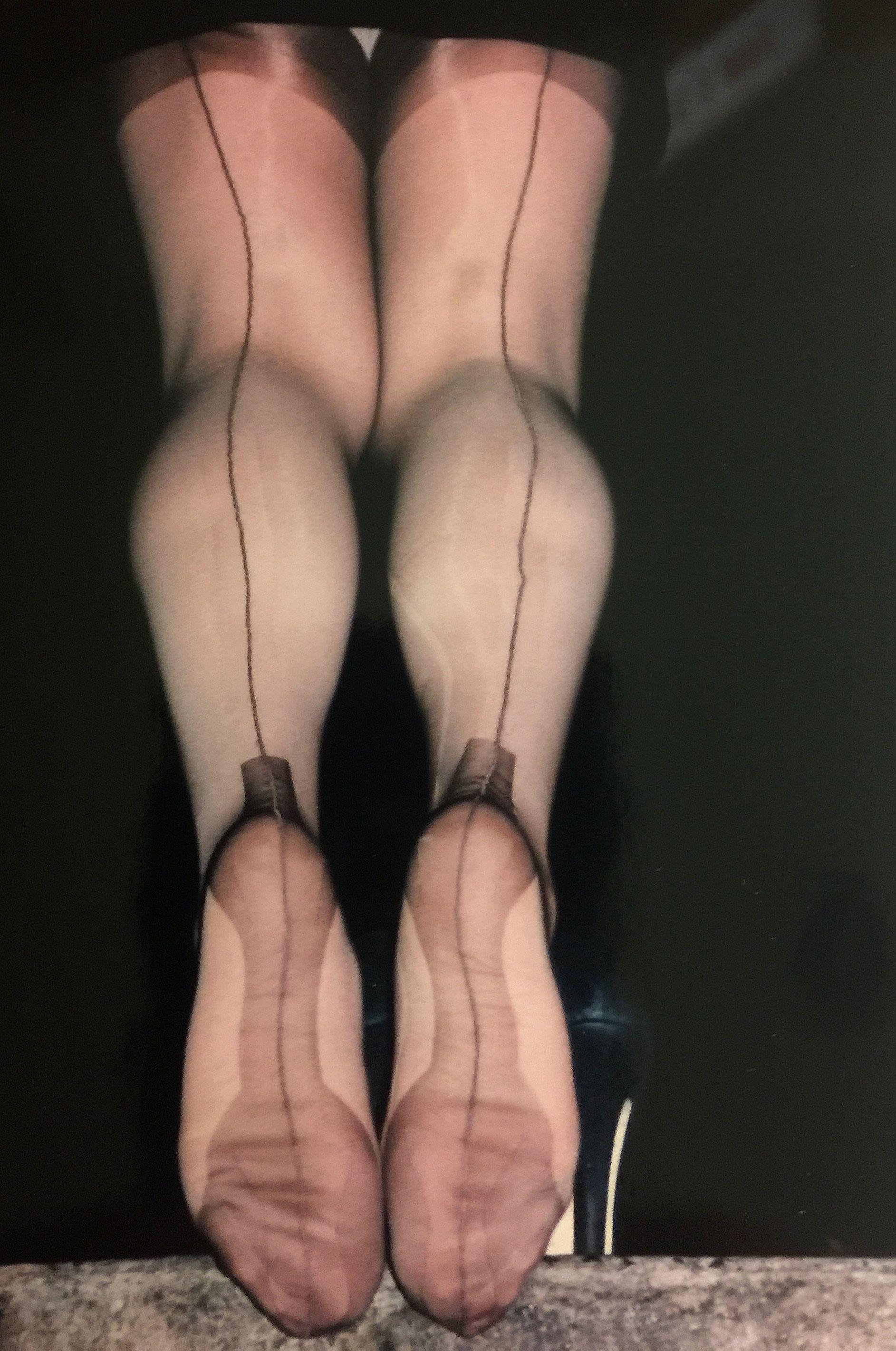 Nylon Xtreme [9K] 🔞 on Twitter: In car #legs of
