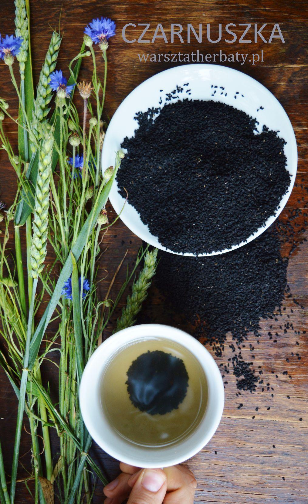 Czarnuszka - Warsztat Herbaty Wyczerpujące informacje o przyprawie, jakie ma właściwości i jak jej używać. http://warsztatherbaty.pl/content/40-czarnuszka