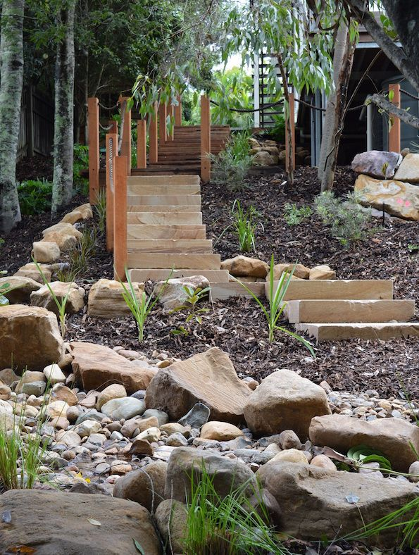 Beautiful bushland garden design megan roe landscape for Queensland garden design