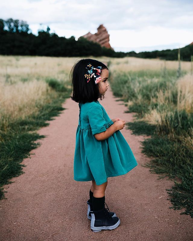 """Click to shop classic bows by Free Babes Handmade. It's time for an adventure. // """"Navy Birch"""" Sailor Bow Free Babes Handmade. Made with love in the USA, perfect for your littles free spirited style. - Photo by Simply Suzy's."""
