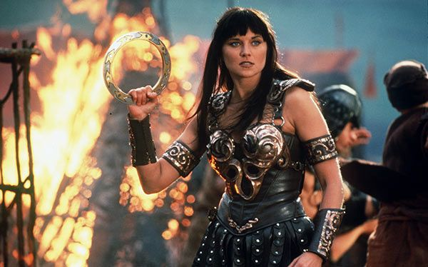 Lots of inspiration, diy & makeup tutorials and all accessories you need to create your own DIY Xena Costume for Halloween.