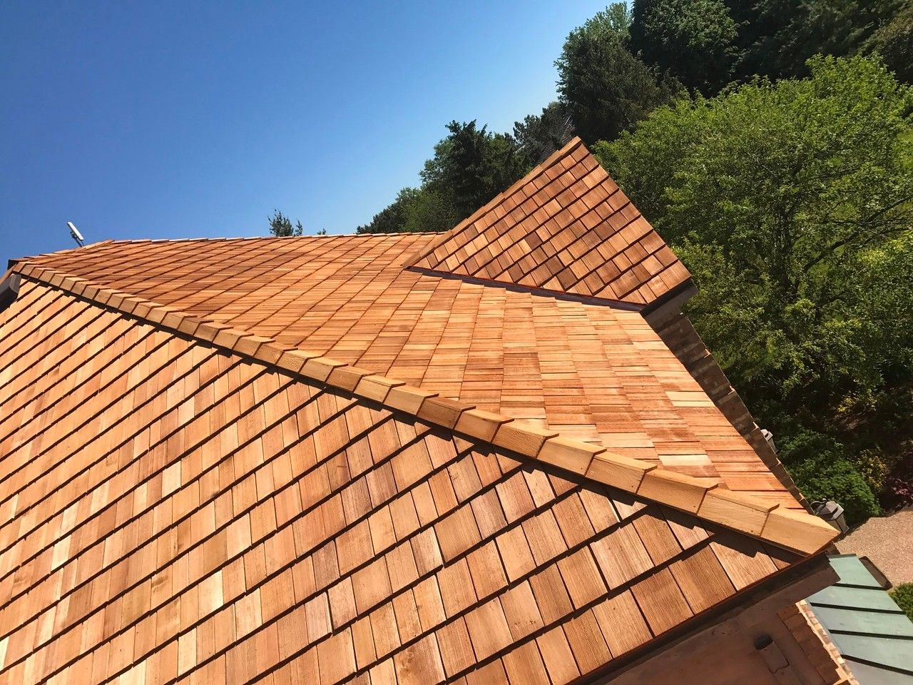 Best Cedar Roofing Is A Natural Energy Efficient And Durable Roofing Material A B Edward 640 x 480