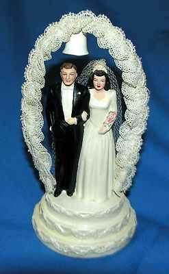 GORGEOUS VTG CHALK 1947 COAST NOVELTY BRIDE/GROOM WEDDING CAKE TOPPER/ LACE ARCH | eBay