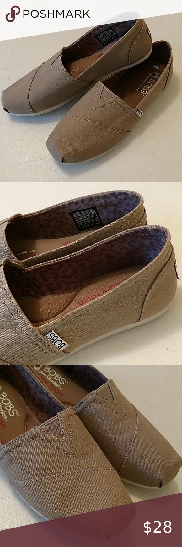 BOBS Skechers memory foam flat shoes in