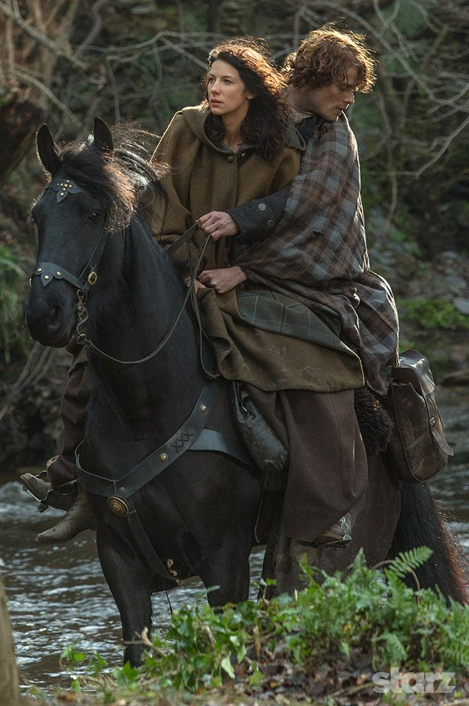 Claire Jamie After Escaping From Black Jack Randall Outlander Season 1 Ep 9 The Reckoning This Is One Outlander Outlander Season 4 Gabaldon Outlander