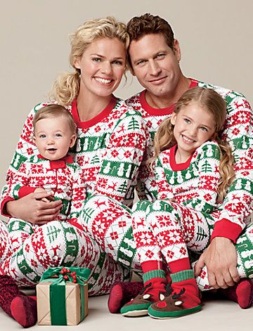 Hanna Andersson ...be still my heart!!!!!! I LOVE matching outfits...for  the whole family I can't handle the awesomenesss!!! lol - Family Pajamas? No, No, No! Family Photos Family Christmas