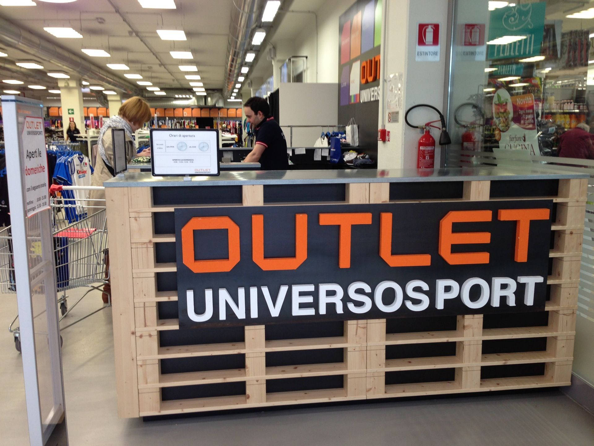 Universo Sport - Outlet in Ponte a Ema, Toscana | Universo Sport ...