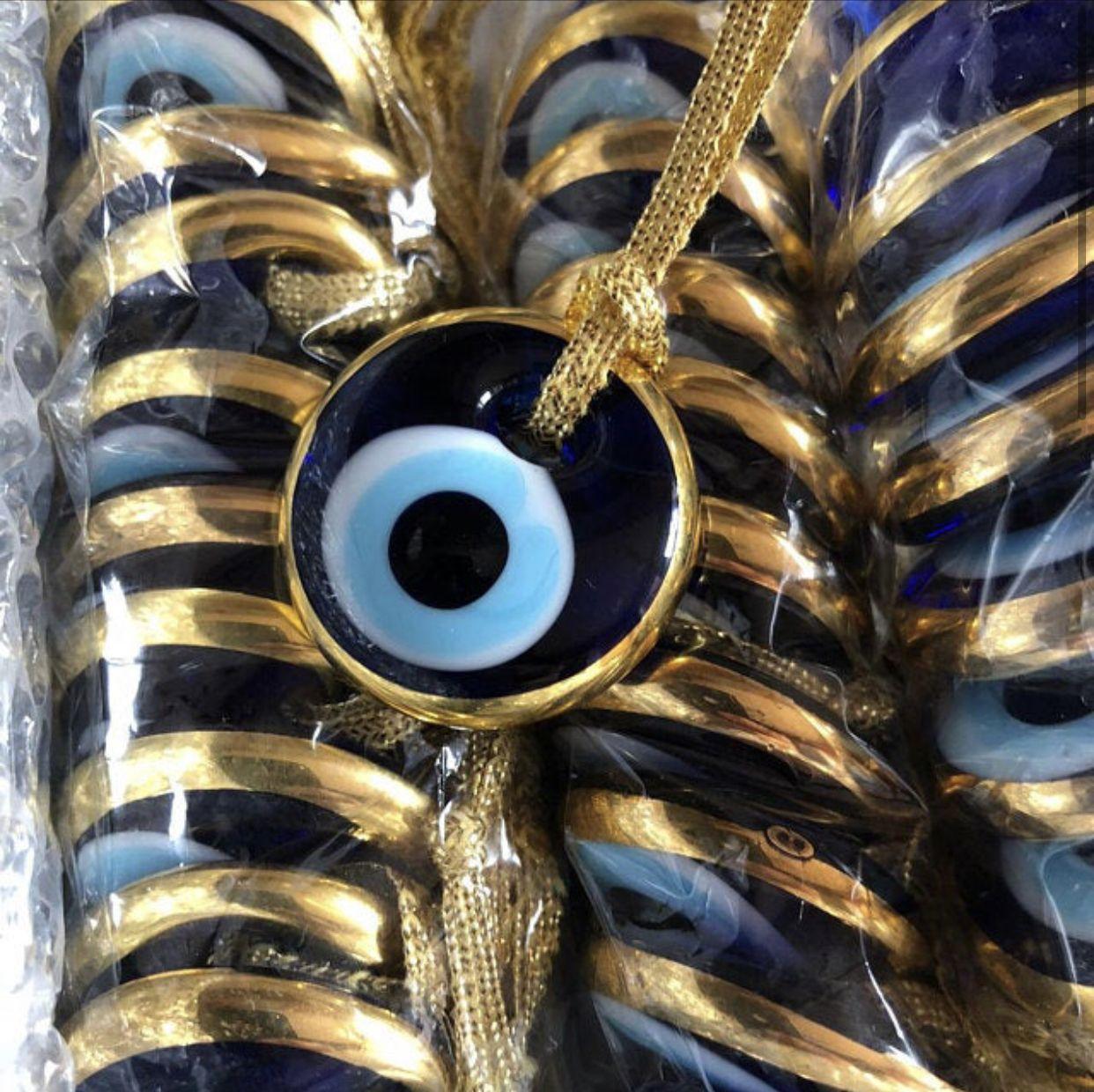 100 Pcs Wedding Favors For Guests Evil Eye Charm Gold Wedding Favors In 2020 Gold Wedding Favors Wedding Favors For Guests Wedding Favors