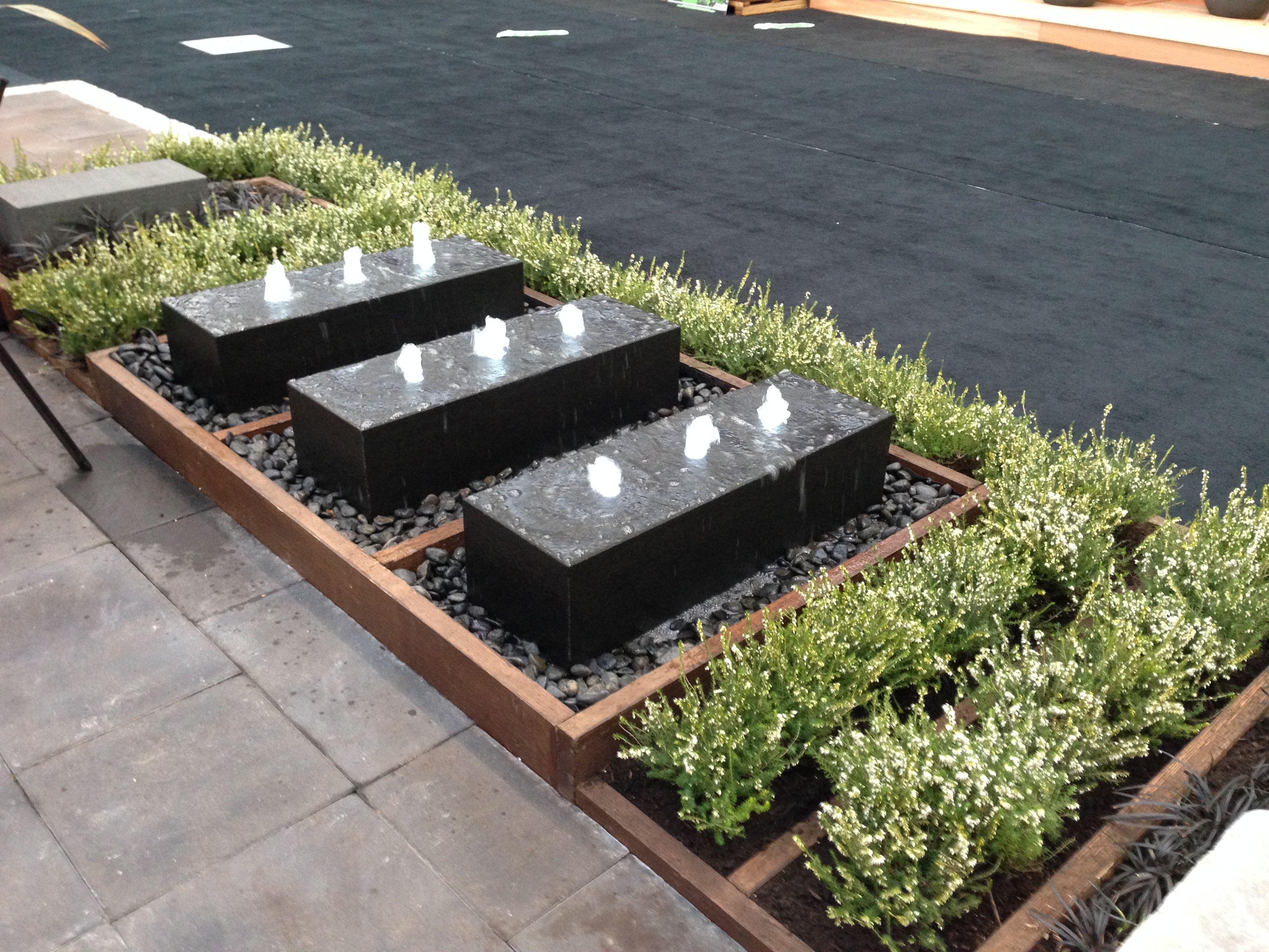 No Limit Landscaping Booth, BURNCO product yvr Planter