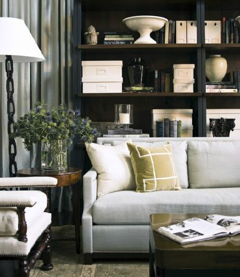 living room by mcalpine booth ferrier note teeny tiny pillow trim id es d co diverses. Black Bedroom Furniture Sets. Home Design Ideas