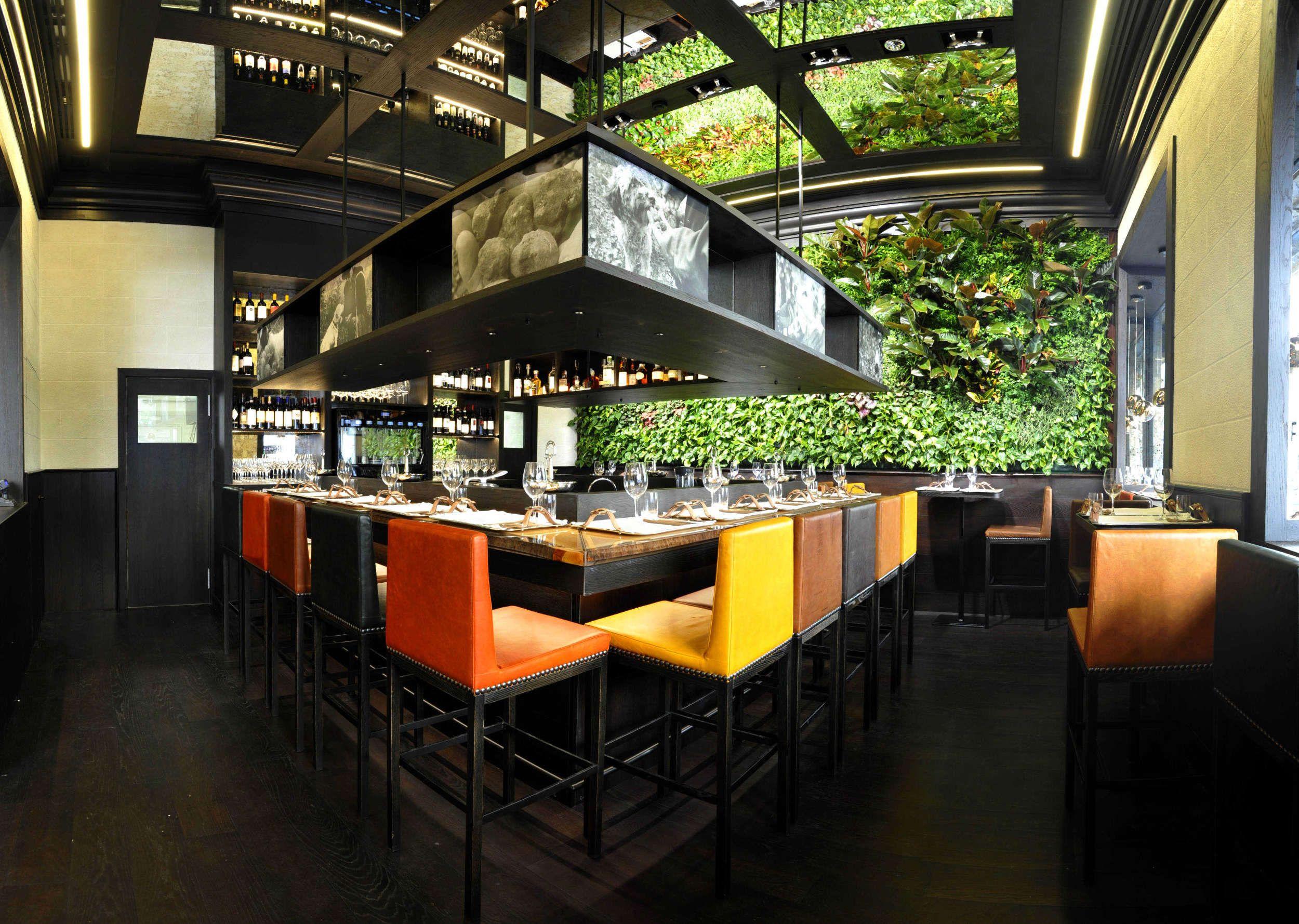 Sundar Italia for Tartufi&Friends Milano - Indoor vertical garden ...