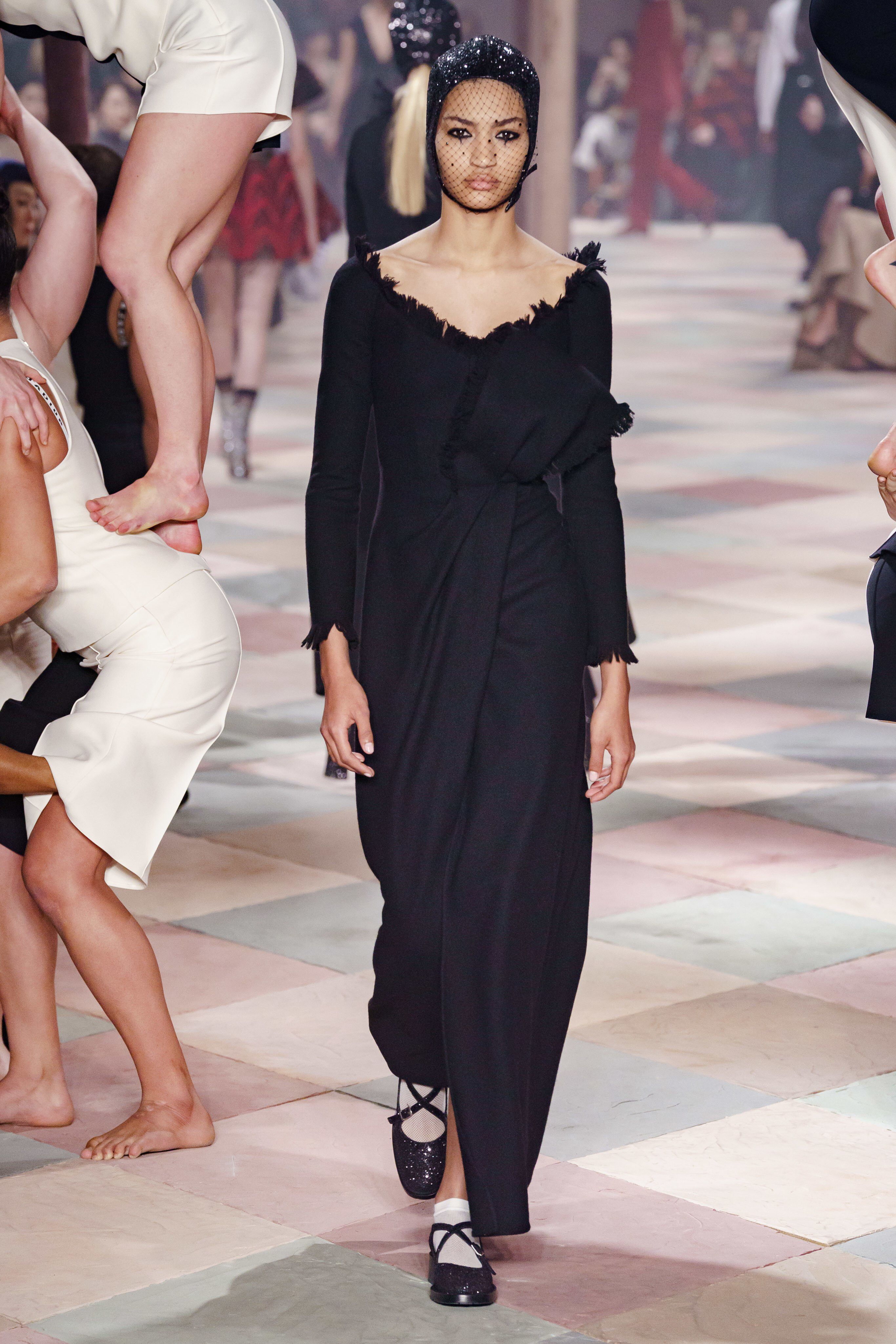 ccf36c9c Christian Dior Spring 2019 Couture Fashion Show Collection: See the  complete Christian Dior Spring 2019 Couture collection. Look 7