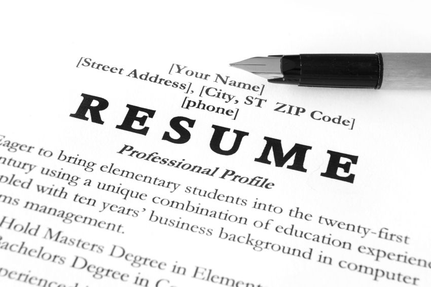Get basic information about how to write a resume