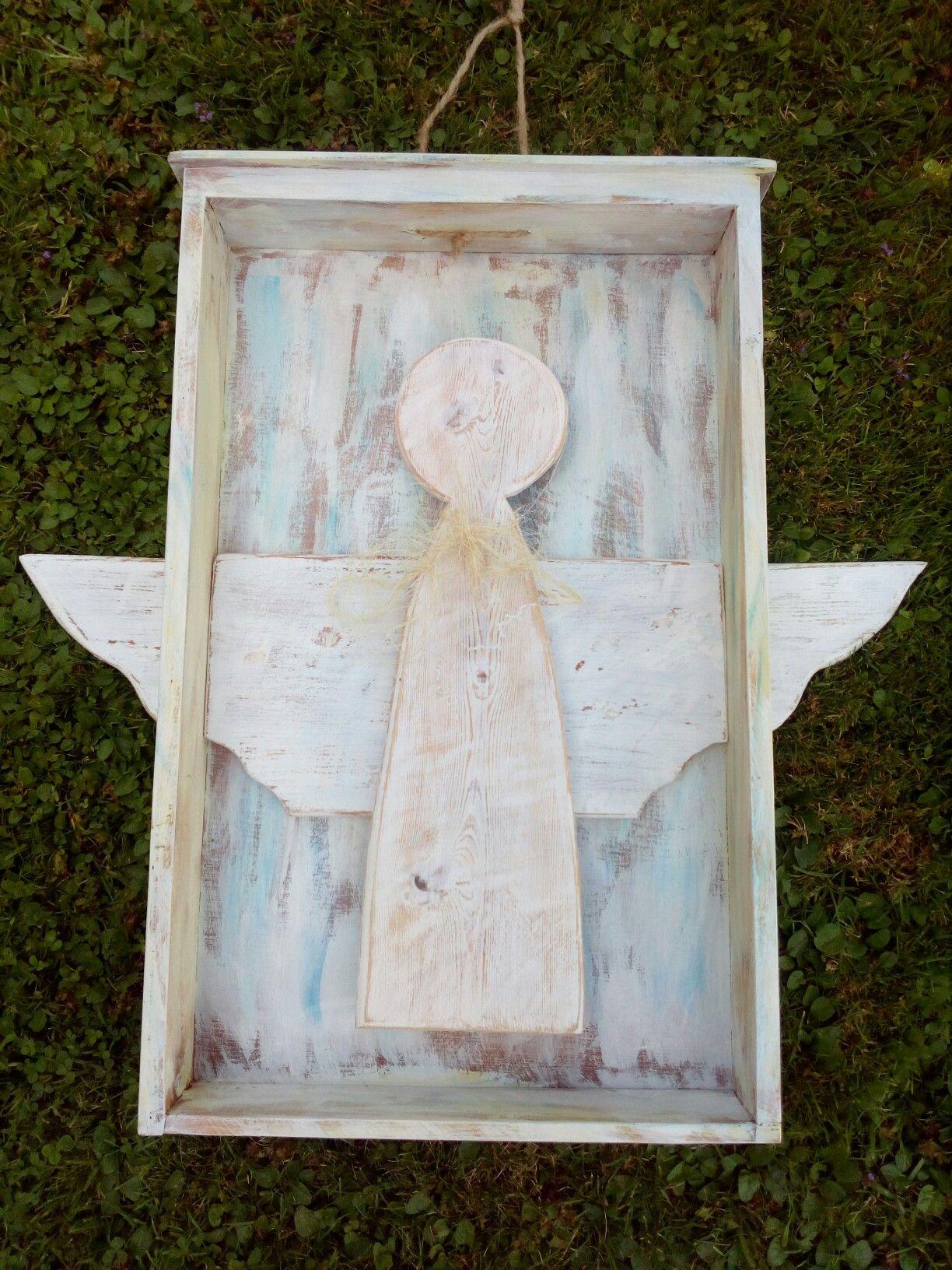 Anděl ve starém šuplíku..