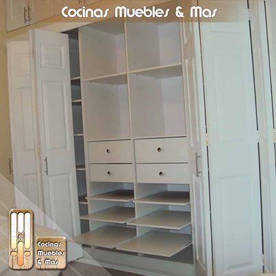 Foto condomino la rotondas interior de closet en melamina for Puertas de melamina