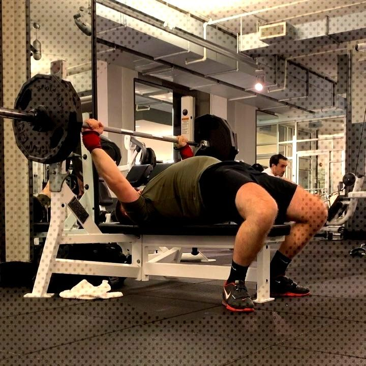 Bench Press 225x3 at RPE 7.5 Really starting to feel good in the gym now that I'm consistently