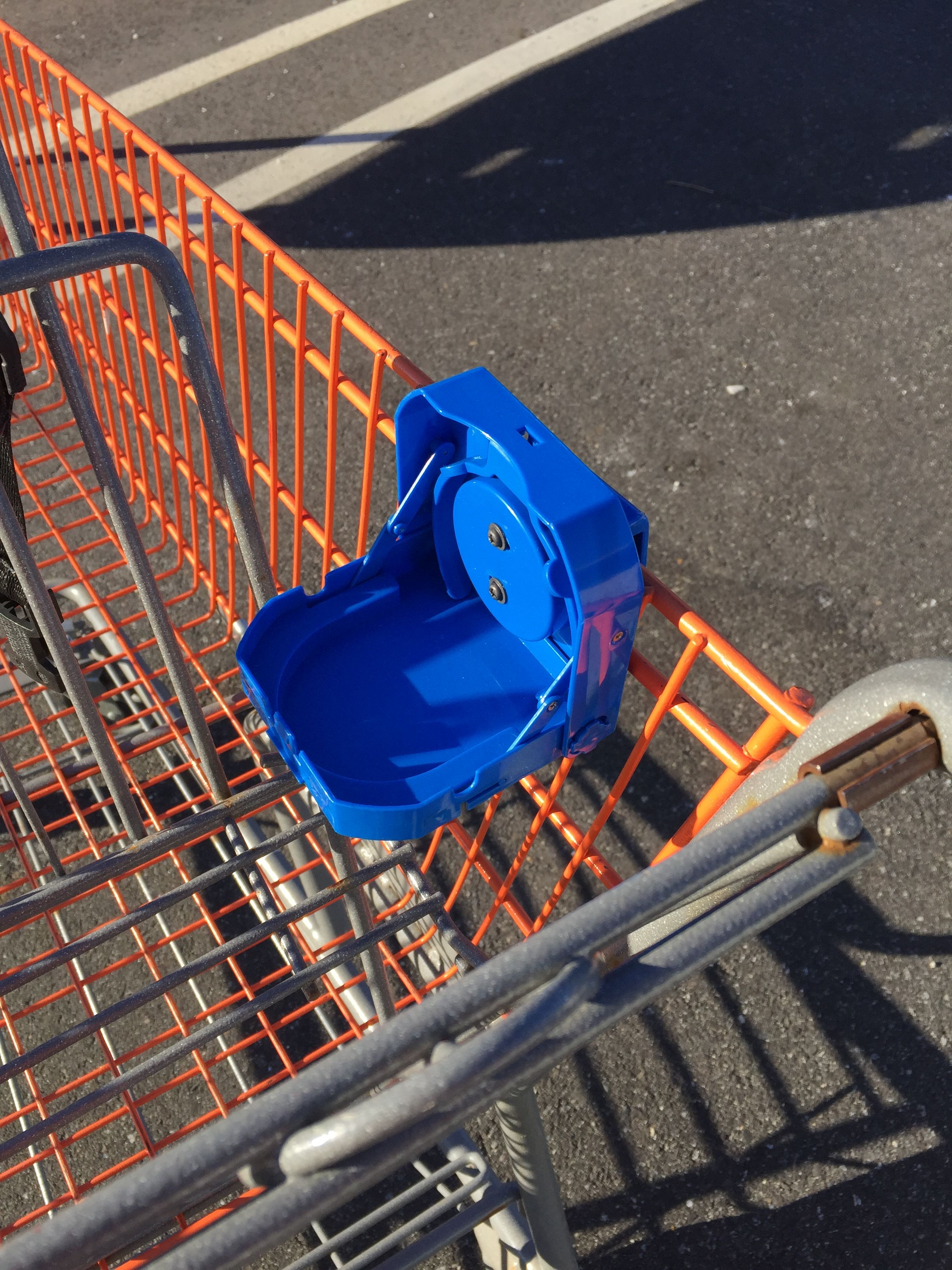 Sip n Set Portable, collapsible shopping cart cup holders
