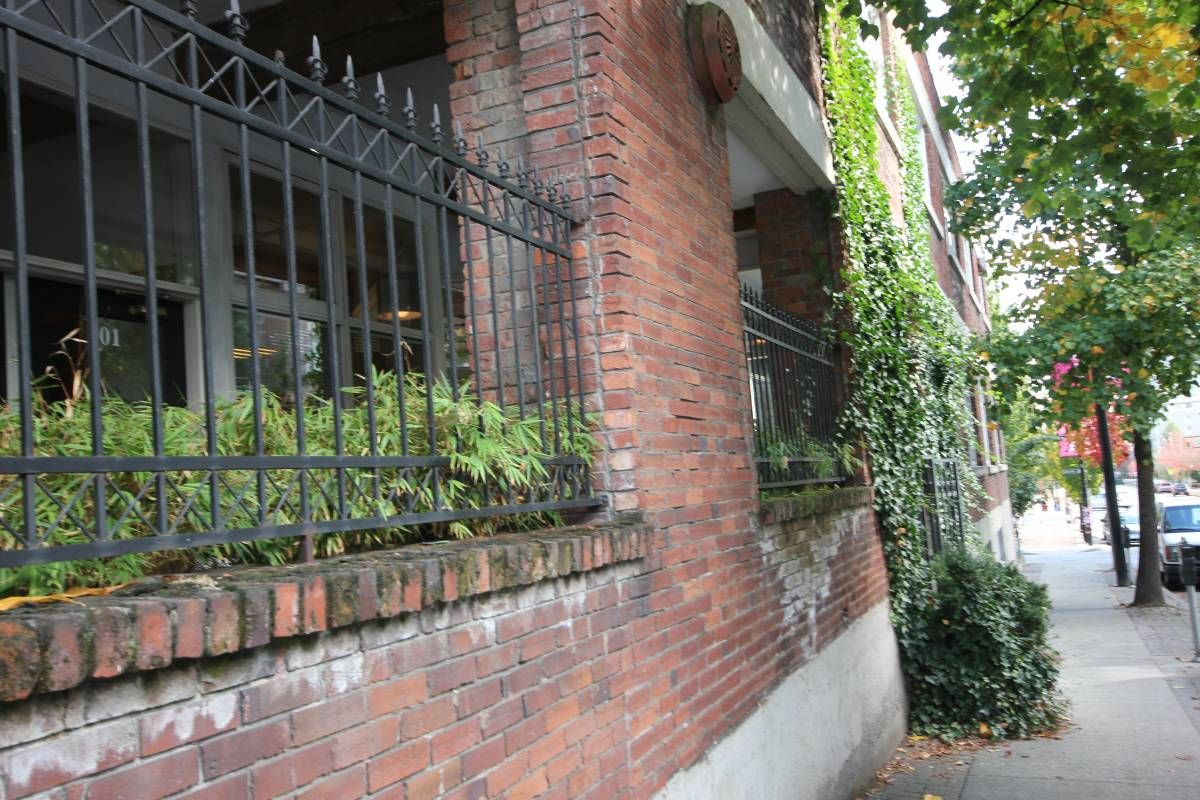 Corbel Commercial Inc Prime Yaletown Office Space Available For Lease Located At 205 1290 Homer Street Yaletow Office Space Corbels Space Available