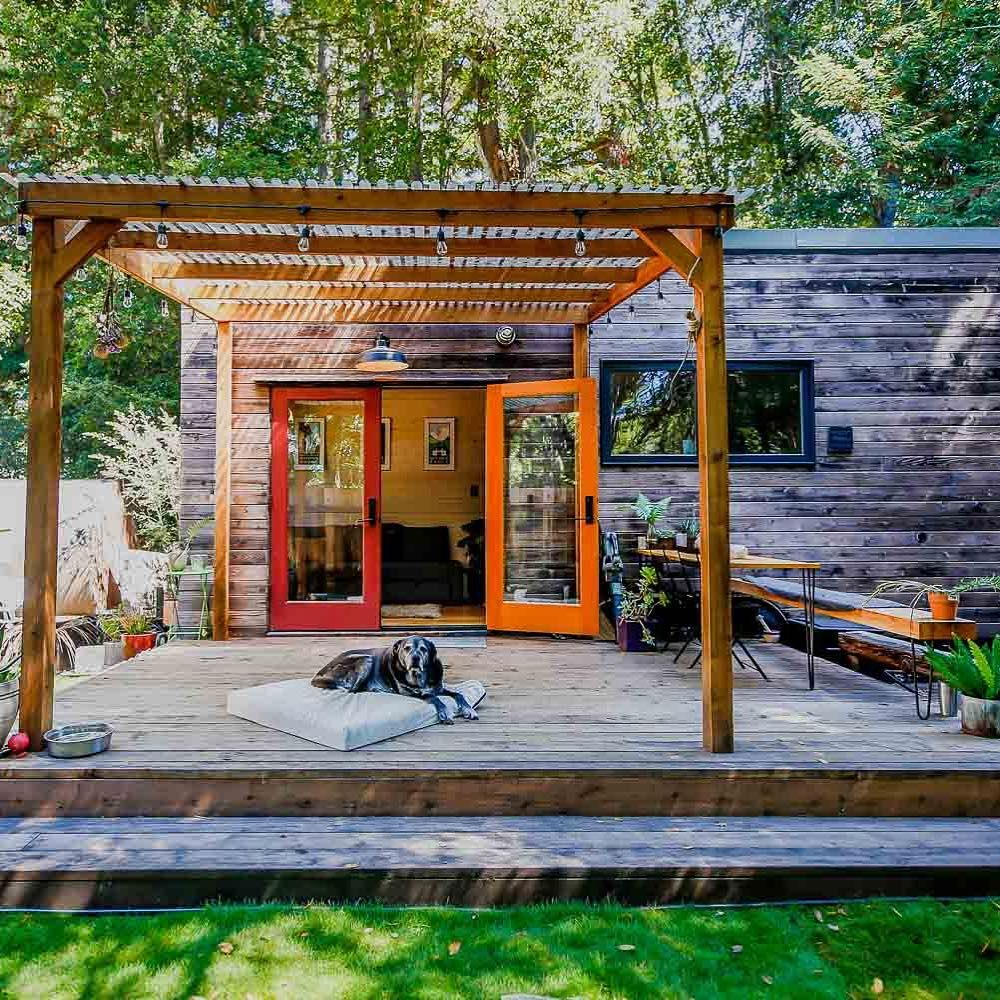 Living Big In A Tiny House On Instagram A Tiny House With A Dog