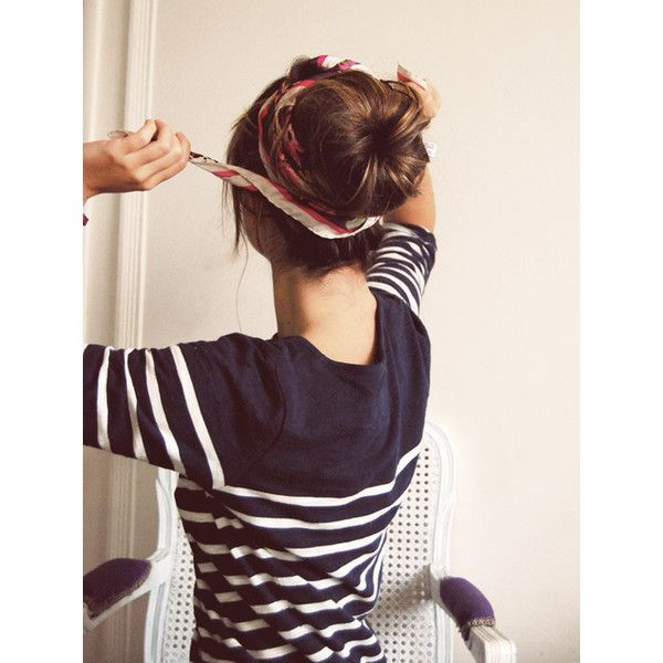 Peinado de última hora Dona con pañuelo Peinados de última hora... ❤ liked on Polyvore featuring accessories and hair