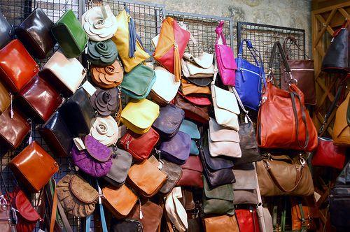 Large handbags are causing undue strain, experts warn - CBS News - http://coach-handbags.dailyezette.com/large-handbags-are-causing-undue-strain-experts-warn-cbs-news-2/ - Coach Handbags from The Daily E'zette