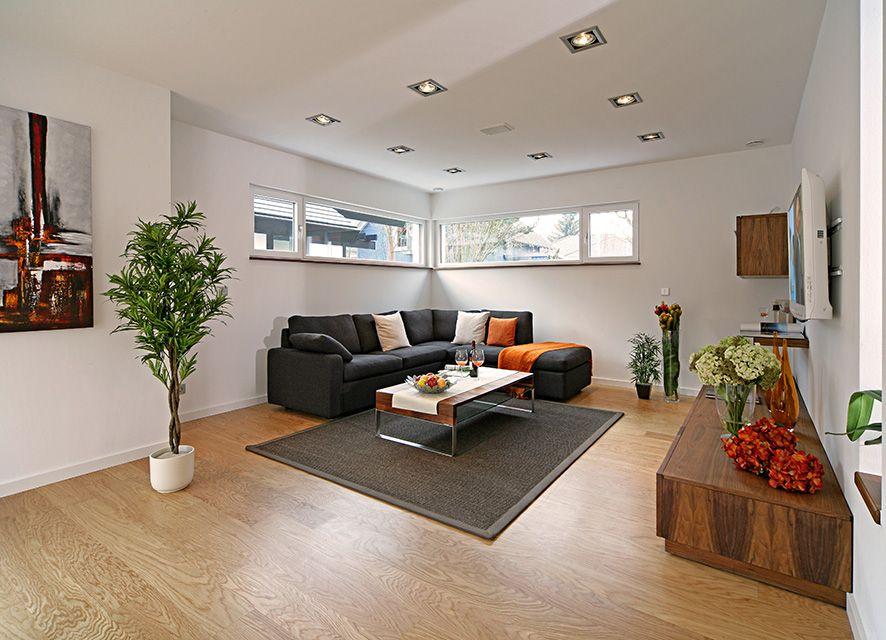 gemütlicher Wohnbereich - Fertighaus - versetztes Pultdach - wohnzimmer grose fensterfront