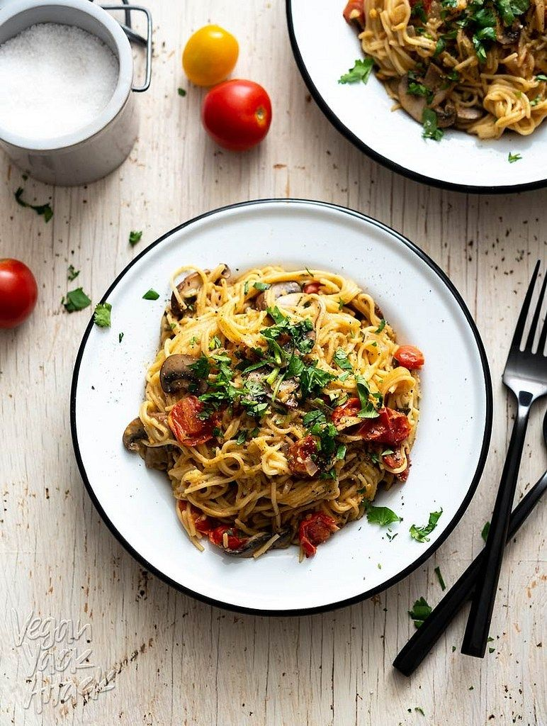 One Pot Mushroom Spaghetti