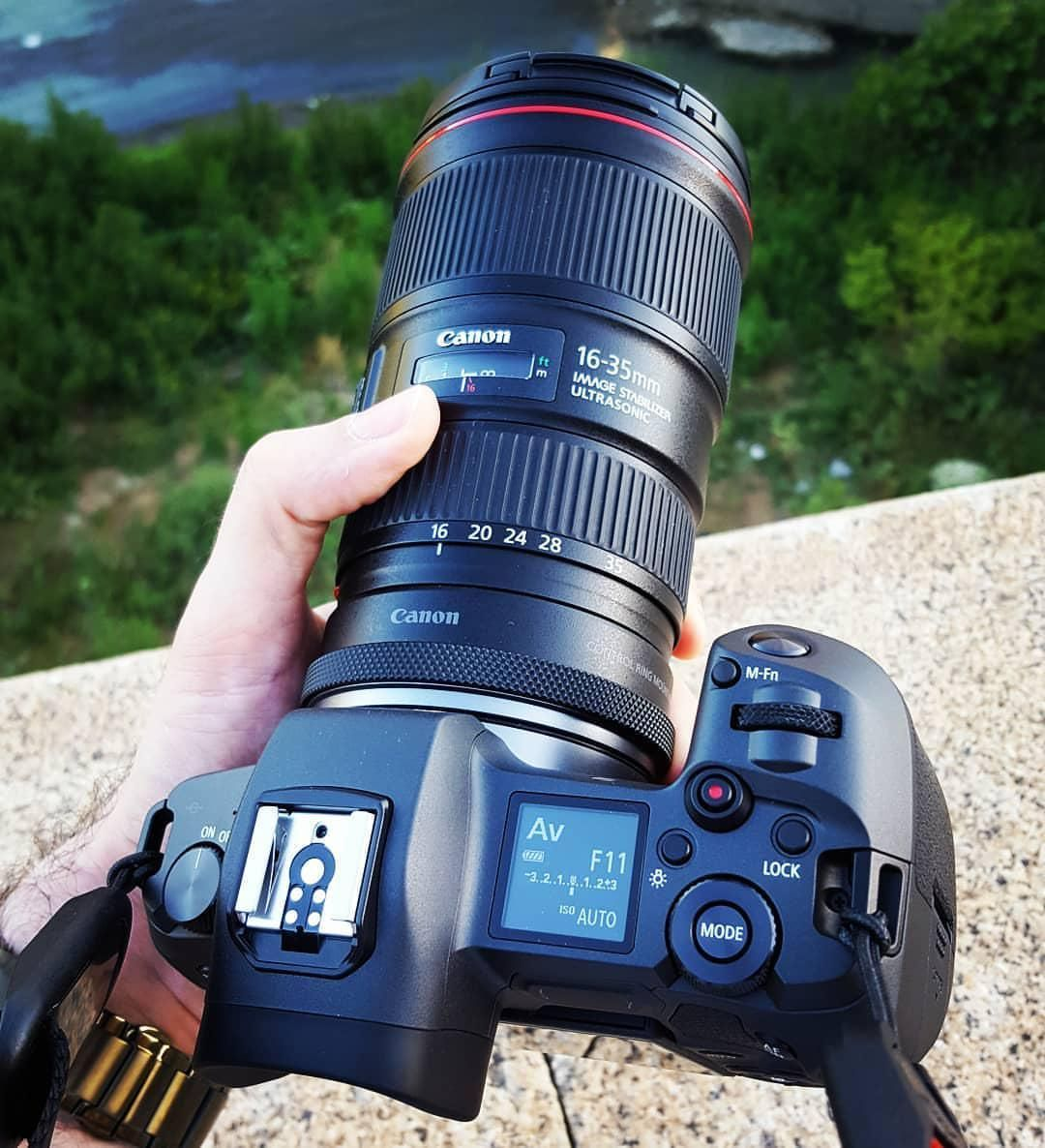 Canon Eos R Ef Rf Adapter Canon Ef 16 35mm F 4 Cammino Mirrorlesscameras Mirrorlesscamera Mirrorless Camera Photography Best Camera Classic Camera