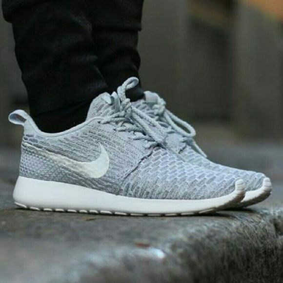 ff8fac59dde1b ISO NIKE roshe one flyknit cool grey Looking for this shoes size 5.5 or 6  Nike Shoes Athletic Shoes