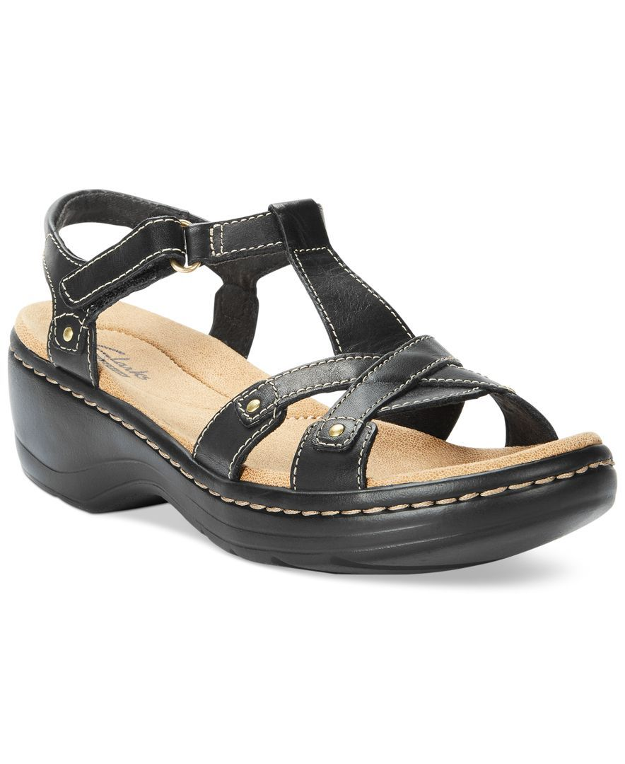 e3def0691cd Clarks Collection Women s Hayla Flute Flat Sandals