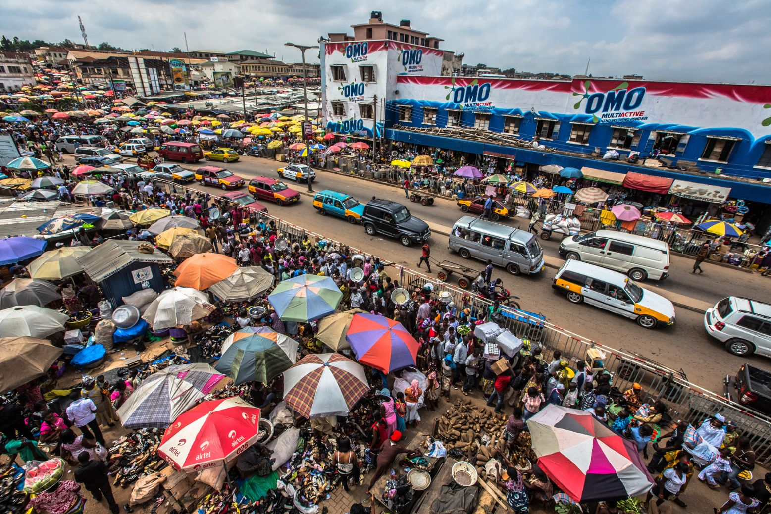 How To Navigate Kejetia Market In Kumasi Ghana The Largest Market In West Africa Click Here To Find Out More About This Histor Kumasi African Market Ghana