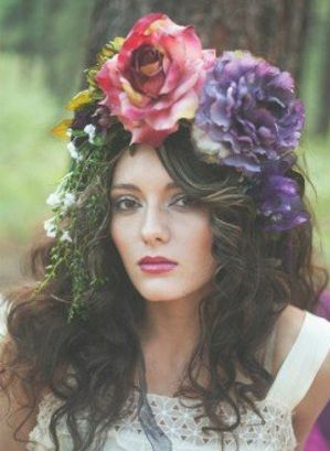 Beauty Queen! Love the rustic feel of this photo! Roses belong on Party-Magnets! RusticWeddingChic.com