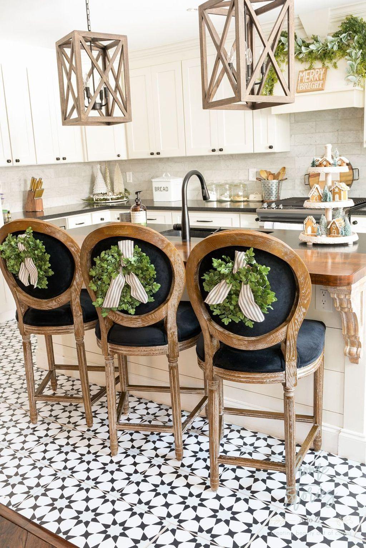 20 fabulous white farmhouse design ideas farmhouse style kitchen farmhouse christmas kitchen on farmhouse kitchen xmas id=50860