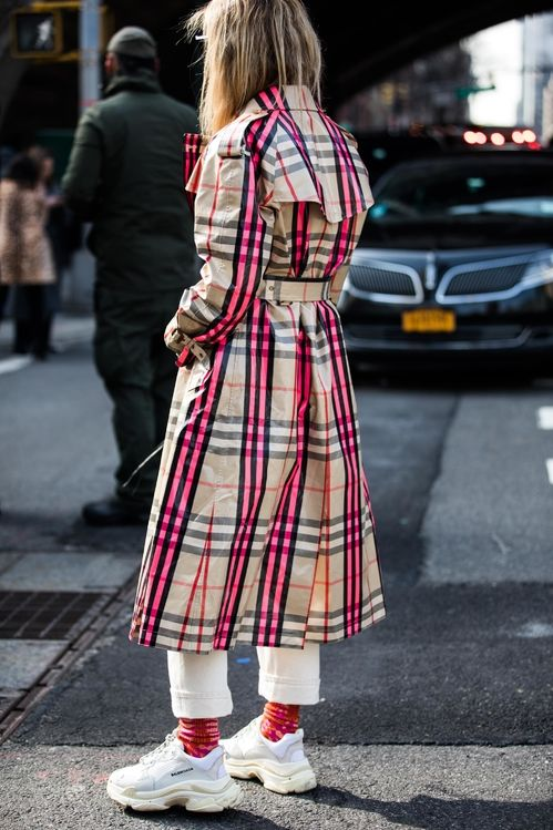 Street style from New York Fashion Week Fall Winter 2018 2019     Street style from New York Fashion Week Fall Winter 2018 2019    srteet style   Pinterest   Street styles  Street and Fashion weeks