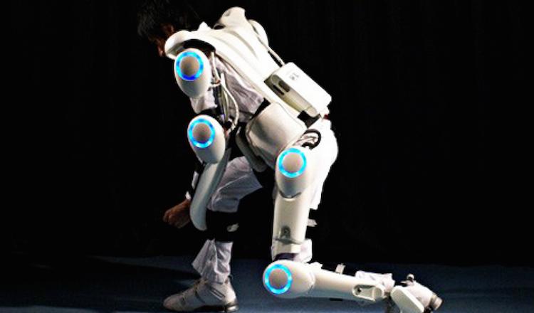 Top 15 Exoskeletons Merging Man With Machine http://bionic.ly/1batRzN #exoskeleton #wearables