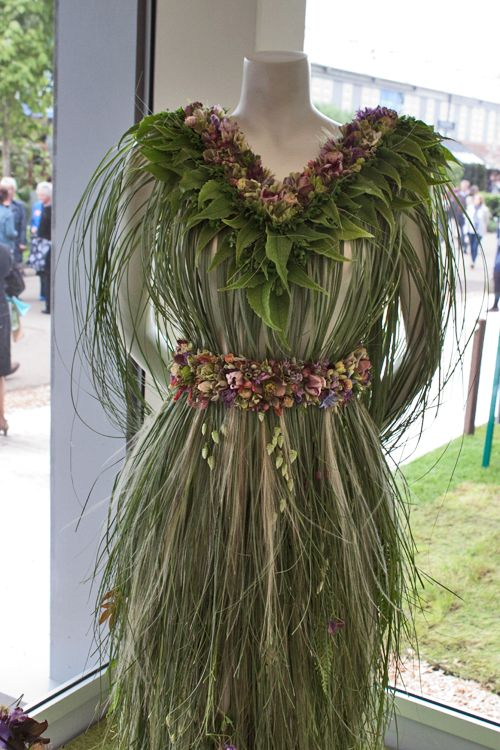 RHS Chelsea Flower Show 2013 – Zita Elze's Floral Dress for Roger Platts' M&G Investments Centenary Garden