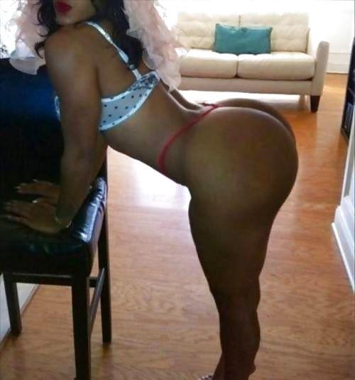 Amateur housewife latina