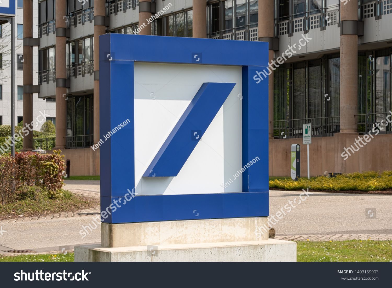 Luxembourg City U002f Luxembourg 05 01 2019 Deutsche Bank Sign And Logo Deutsche Bank Ag I In 2020 Social Media Design Graphics Luxembourg City Investment Banking