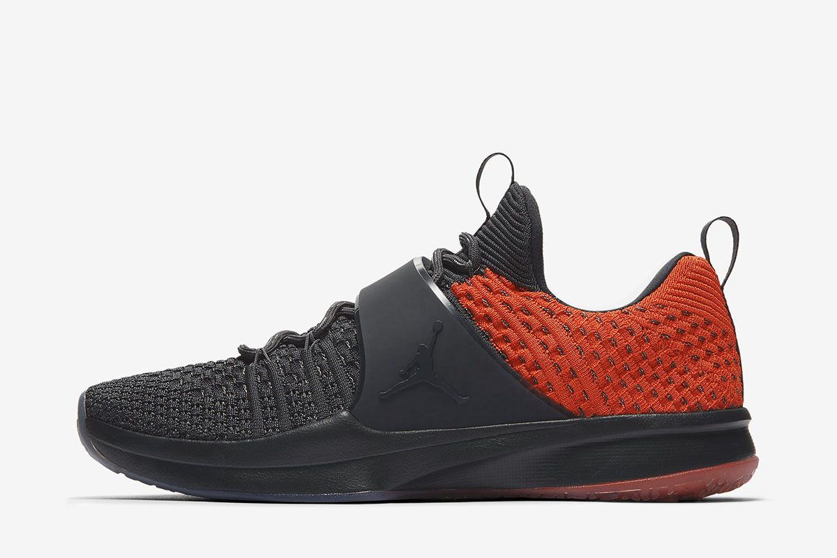 683901ff0283 Air Jordan Trainer 2 Flyknit  Anthracite Gamma Orange  - EU Kicks  Sneaker  Magazine