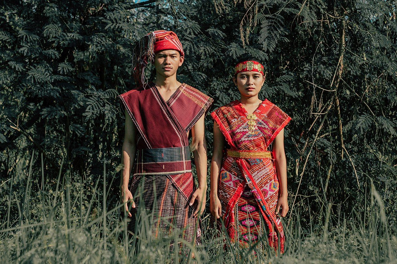 Pakaian Adat Suku Alor Ntt