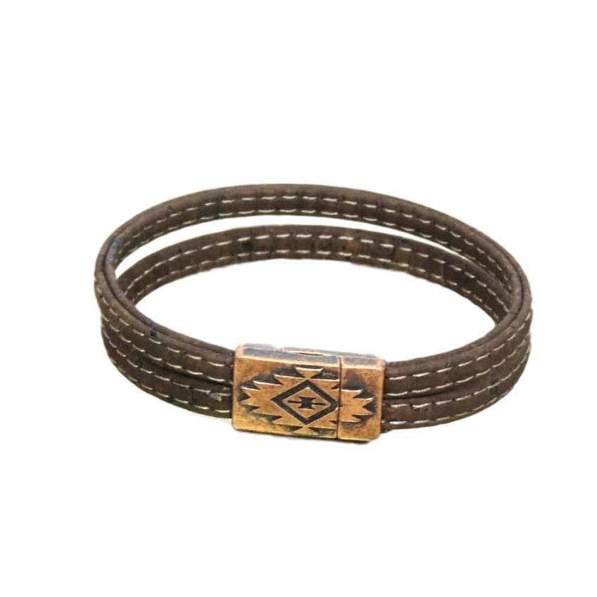 51c5c29d8bd Bracelet en liège made in France pour hommes. Fabrication artisanale à  Bordeaux. Fermoir aimanté au style très masculin !