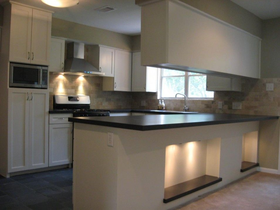 Weiße küche schwarze kücheninselfront abzugshaube ideas pinterest küche schwarz abzugshaube und weiße küchen