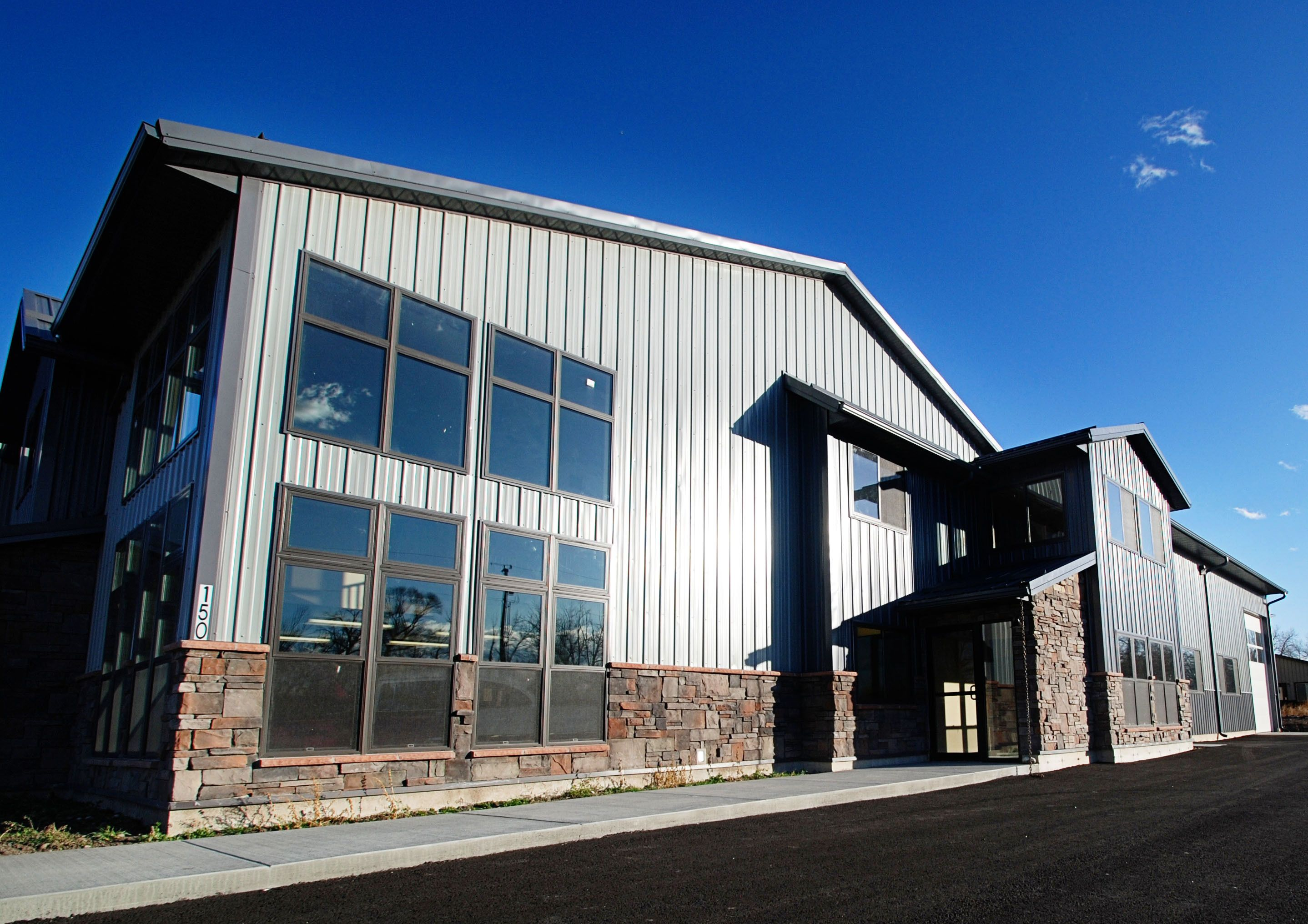 Commercial Project With Tuf Rib Siding Cladding Design Warehouse Design Warehouses Exterior