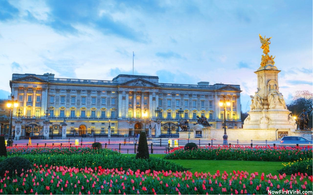 Top 4 #BiggestHouses in the World 2018 | World | Buckingham