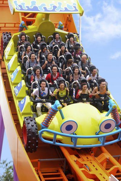 Roller Coasters At Disneyland Hong Kong Disneyland S Toy Story Land And Halal Food Outlet Prepare Hong Kong Disneyland Disney Hong Kong Disney Resorts