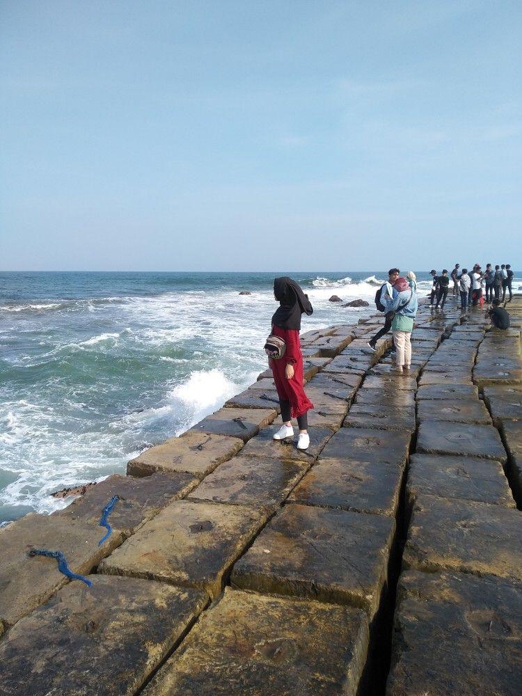 Pantai Yang Deket Banget Sama Rumahpantai Jayanti Cianjur