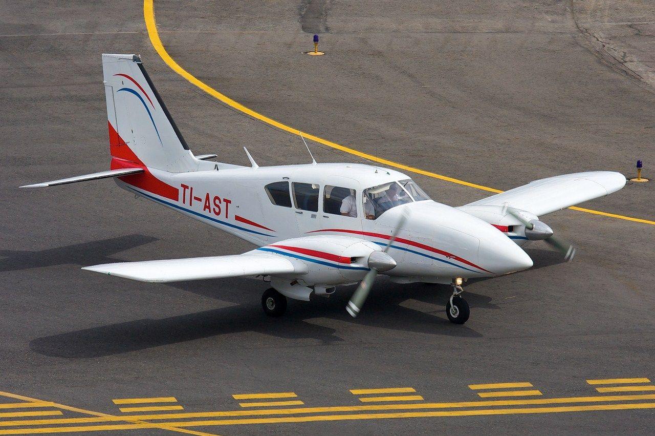 Piper PA-23-250 Aztec