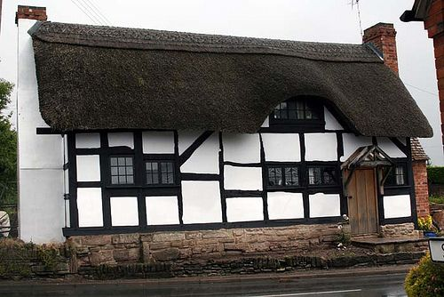 Best Tudor Style House With Thatched Roof 536 By Gayheb Via 400 x 300